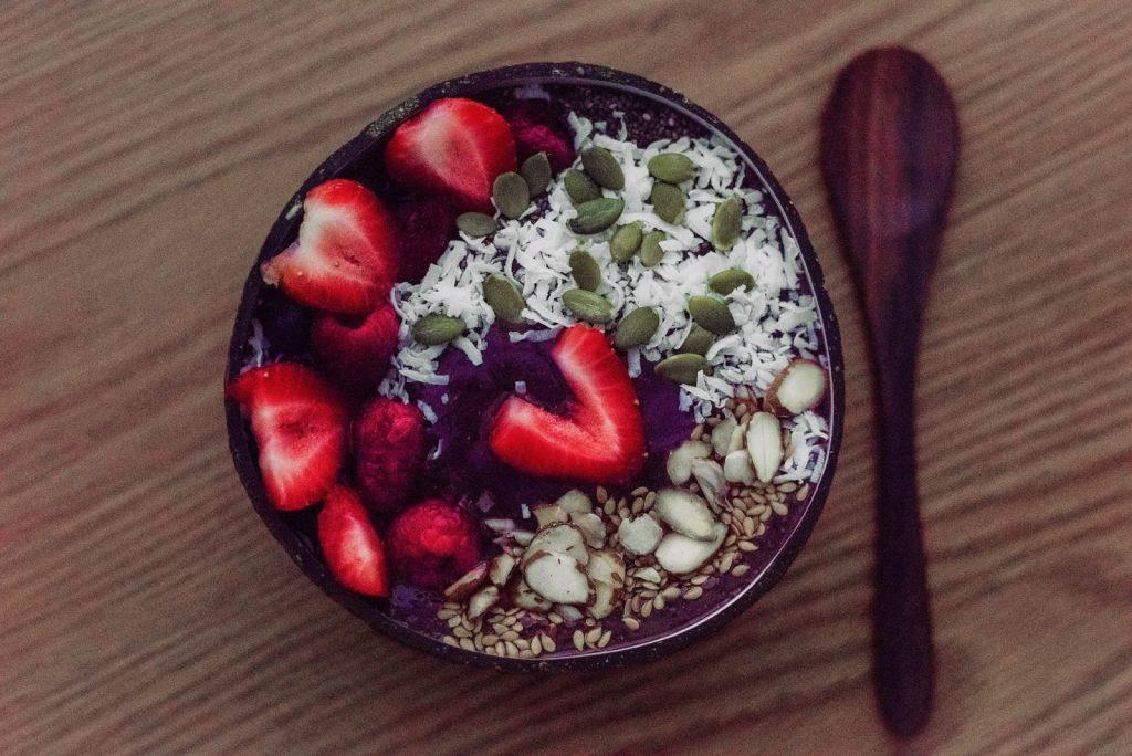 Detox Breakfast Smoothie Bowl